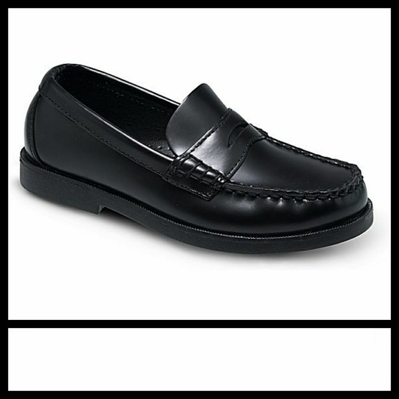 25b8907be3b Black Leather Pennyloafer Colton Boat Shoe. M 5a8f6acf31a376ccbabd7ebb.  Other Shoes you may like. Sperry Kids ...